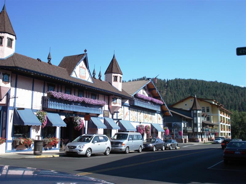 Leavenworth Shops